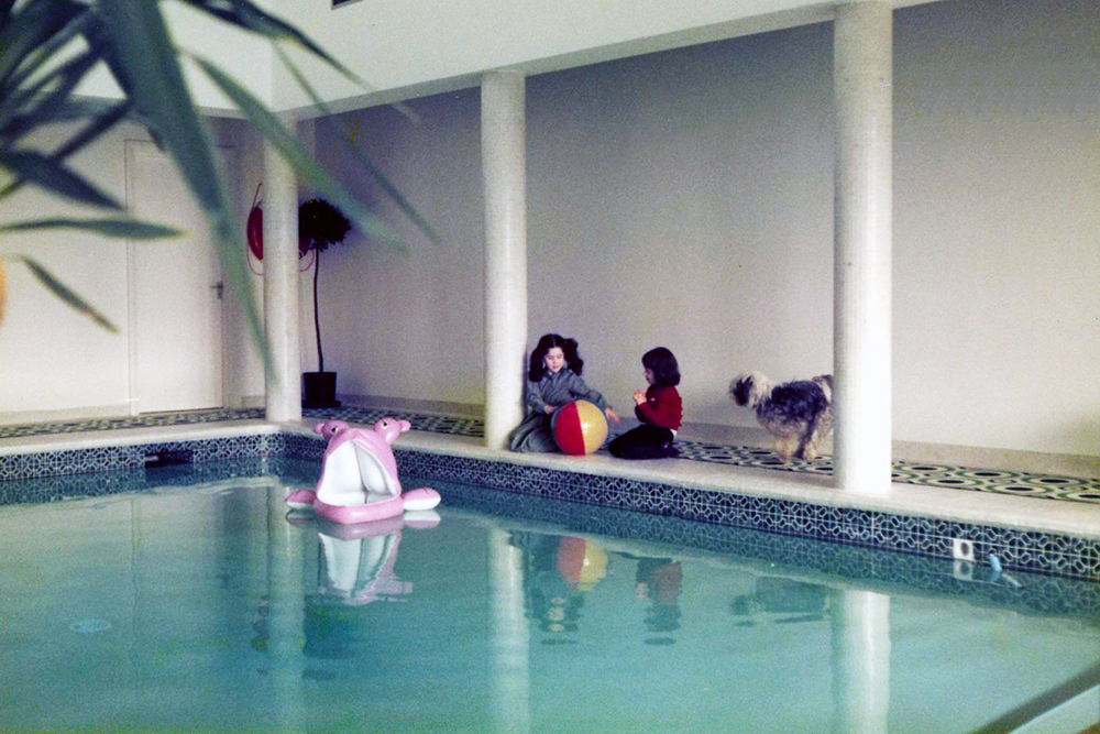 Coombe Lane, Indoor Pool. Architect: Peter Stern